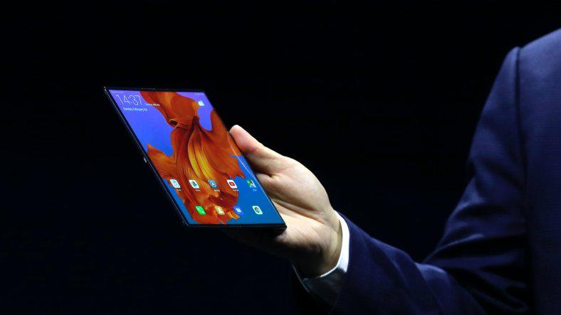 Huawei'den Yeni Katlanabilir Telefon